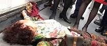 Penumpang Menggelepar di Lantai Gegara Penerbangan Tertunda 11 Jam